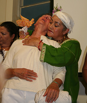 an overview of the curanderas and curanderismo a healing tradition of mexico Curanderismo is an ancient method of healing pracitced throughout mexico and hispanic countries curanderos and curanderas focus on a holistic method of healing that can include herbal medicine as well as spiritual insight.