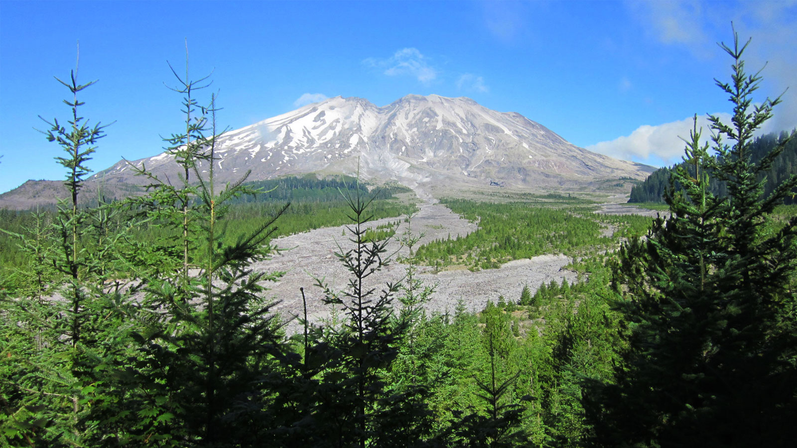 Researchers find evidence for a cold, serpentinized mantle wedge beneath Mt. St. Helens