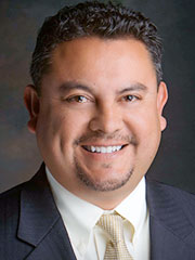 Photo of Gabriel Sanchez, and link to his faculty home page at UNM